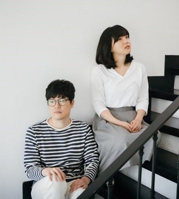 Soi loạt động thái đáng ngờ của nam ca sĩ Hàn sau nghi án cưỡng bức làm bạn gái nổi tiếng tự tử, bài phỏng vấn về tình dục bị lật lại - Ảnh 4.