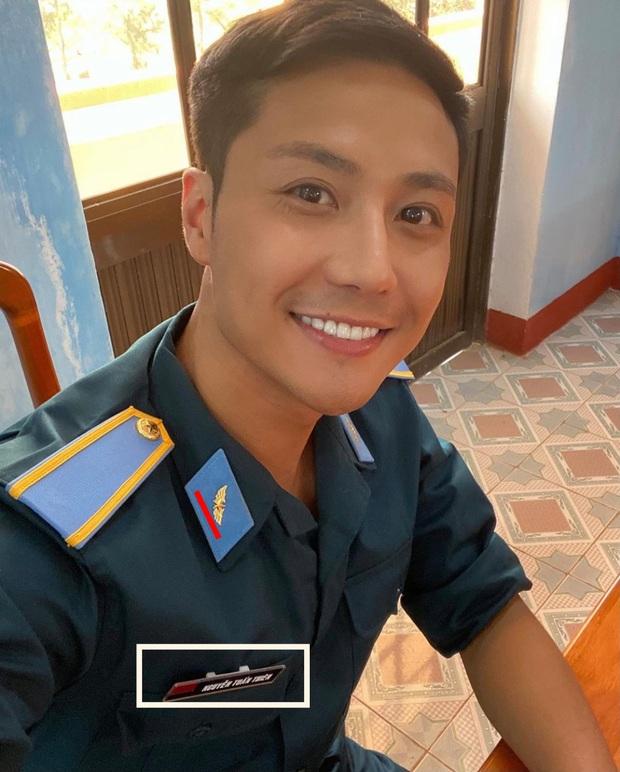 Hào hứng khoe ảnh phim mới, Thanh Sơn bị bóc ăn mặc sai tác phong người lính - Ảnh 5.