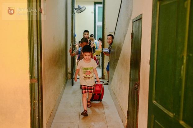 Hà Nội: Khẩn trương vào cuộc xác minh sự việc hơn 100 học sinh đồng loạt nghỉ học - Ảnh 2.