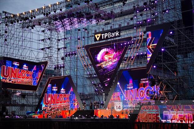 Sân khấu đại nhạc hội Beyond The Future được đầu tư siêu hoành tráng, Phương Ly sẽ khiến khán giả thót tim với màn đu dây - Ảnh 7.