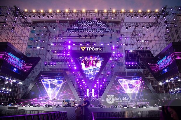 Sân khấu đại nhạc hội Beyond The Future được đầu tư siêu hoành tráng, Phương Ly sẽ khiến khán giả thót tim với màn đu dây - Ảnh 2.