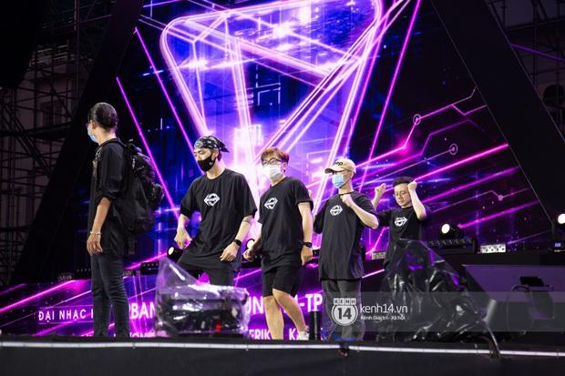 Sân khấu đại nhạc hội Beyond The Future được đầu tư siêu hoành tráng, Phương Ly sẽ khiến khán giả thót tim với màn đu dây - Ảnh 11.