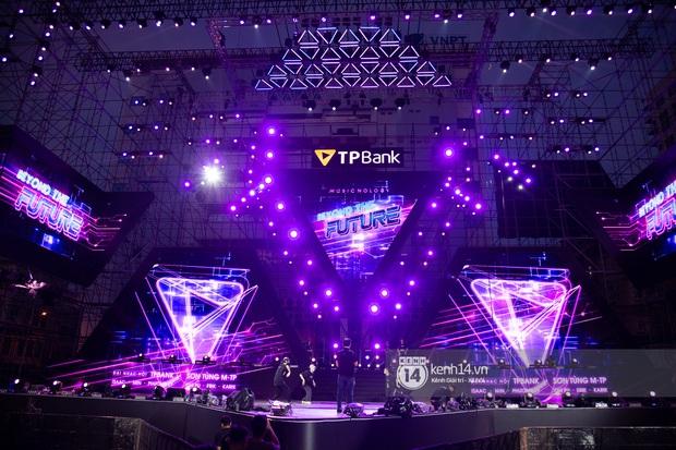 Sân khấu đại nhạc hội Beyond The Future được đầu tư siêu hoành tráng, Phương Ly sẽ khiến khán giả thót tim với màn đu dây - Ảnh 9.