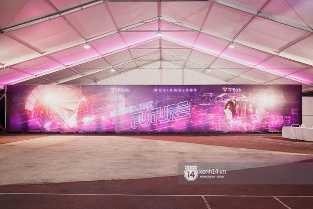 Sân khấu đại nhạc hội Beyond The Future được đầu tư siêu hoành tráng, Phương Ly sẽ khiến khán giả thót tim với màn đu dây - Ảnh 6.