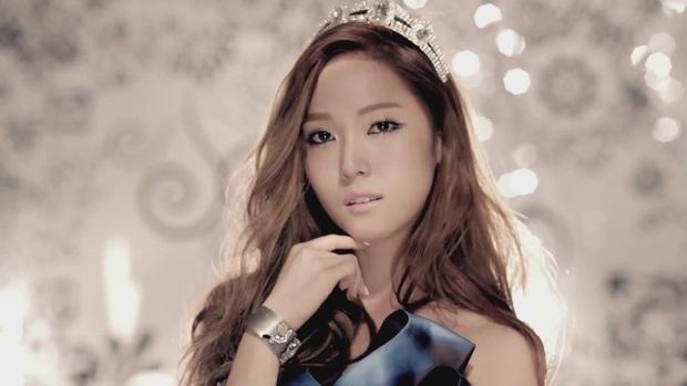 Cùng là encore, Nayeon (TWICE) không bỏ highnote thì cũng vỡ giọng, Jessica 8 năm trước lên hẳn 4 nốt cao mà chẳng cần tai nghe - Ảnh 5.