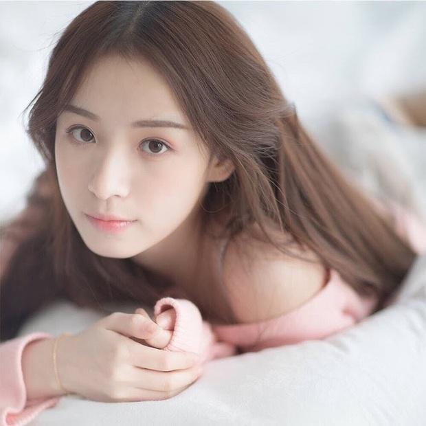 Sở hữu nhan sắc đỉnh cao không chút giả trân, nữ streamer Trung Quốc chiếm trọn cảm tình của khán giả chỉ sau 2 ngày lên sóng - Ảnh 2.