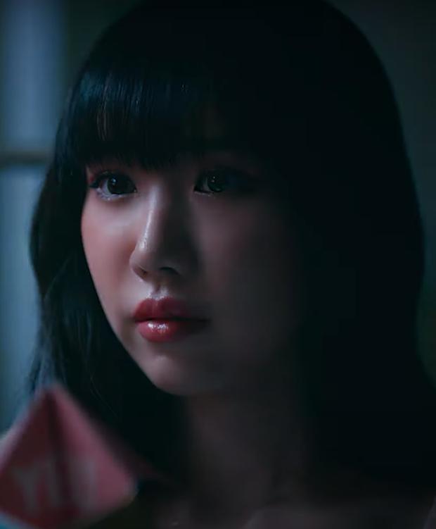 Đáng tiếc hơn là chuyện tình friendzone là visual của Min trong MV mới, nhìn mà chỉ muốn xem lại các MV cũ thôi - Ảnh 1.
