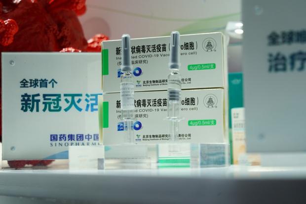 Gần 60.000 người Trung Quốc được xuất cảnh sau khi tiêm vaccine ngừa Covid-19 - Ảnh 1.