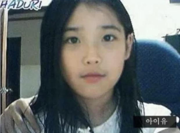 Dàn idol thời lộ nhan sắc thật qua webcam: Ảnh chất lượng thấp mà visual chất lượng cao, IU làm rõ luôn tin đồn dao kéo - Ảnh 11.