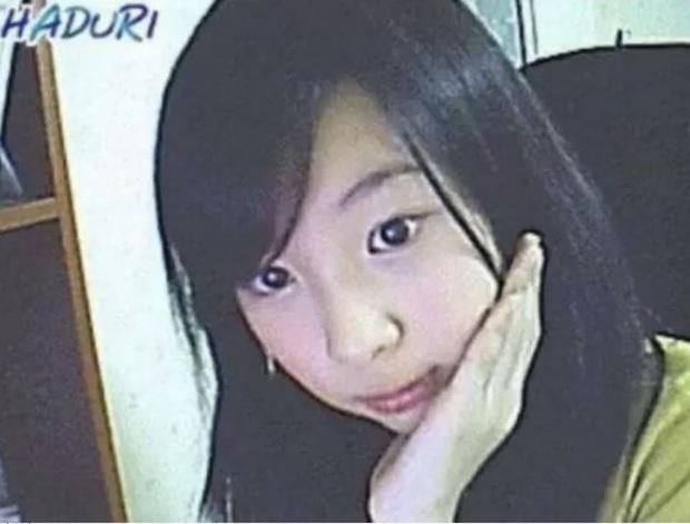 Dàn idol thời lộ nhan sắc thật qua webcam: Ảnh chất lượng thấp mà visual chất lượng cao, IU làm rõ luôn tin đồn dao kéo - Ảnh 14.