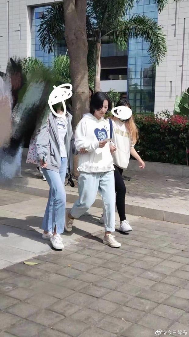 Tạo hình nữ chính Mãi Mãi Là Bao Xa bị netizen phản đối kịch liệt: Nam tính quá mức, sai nhất là mái tóc ngắn cũn cỡn kìa! - Ảnh 9.