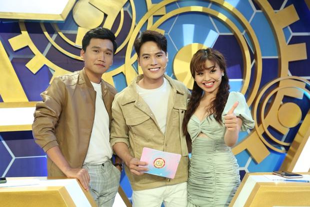 Xuân Nghị - Lê Lộc hết tình tứ lại giận dỗi nhau tại phim trường gameshow - Ảnh 1.