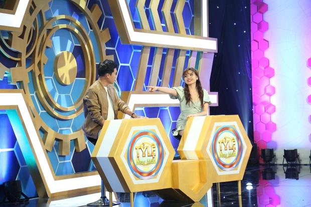 Xuân Nghị - Lê Lộc hết tình tứ lại giận dỗi nhau tại phim trường gameshow - Ảnh 3.