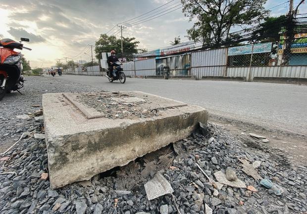 Gần 2,5km đường ở Sài Gòn giá hơn 800 tỷ nhưng làm 5 năm chưa xong: Người dân than trời vì ổ gà, bụi và nước ngập - Ảnh 5.