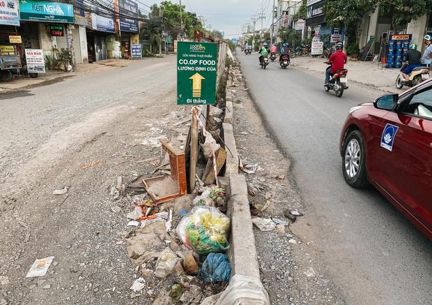 Gần 2,5km đường ở Sài Gòn giá hơn 800 tỷ nhưng làm 5 năm chưa xong: Người dân than trời vì ổ gà, bụi và nước ngập - Ảnh 14.