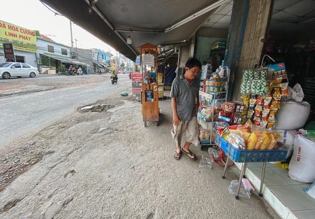 Gần 2,5km đường ở Sài Gòn giá hơn 800 tỷ nhưng làm 5 năm chưa xong: Người dân than trời vì ổ gà, bụi và nước ngập - Ảnh 11.