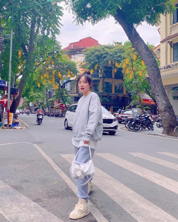 Phương Ly đụng túi liên tiếp với Jennie, Jisoo nhưng ngầu hơn là được lên Instagram của hãng - Ảnh 1.