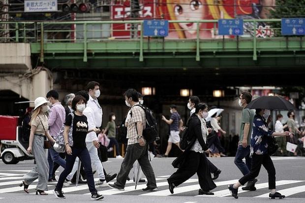 Nhật Bản cảnh báo nguy cơ tái bùng phát dịch COVID-19 - Ảnh 1.