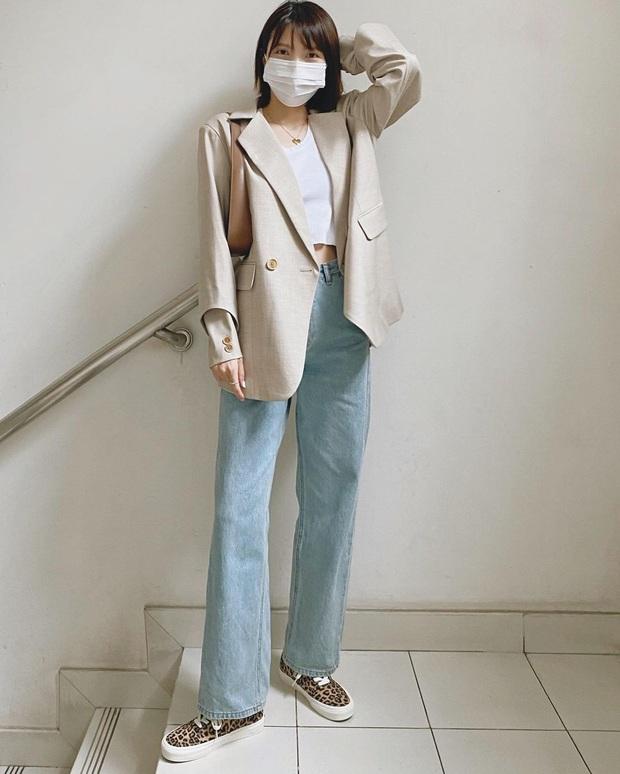 3 xu hướng quần jeans sẽ bùng nổ trong thời gian tới, chị em nên sắm hết để xua tan nỗi lo mặc xấu - Ảnh 13.