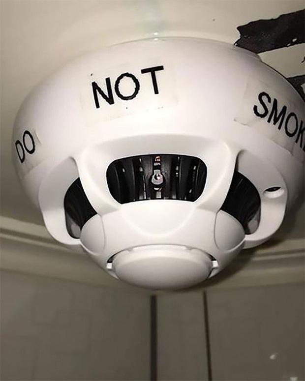 Những kiểu đặt camera quay lén hiểm hóc tới mức không ngờ - Ảnh 8.