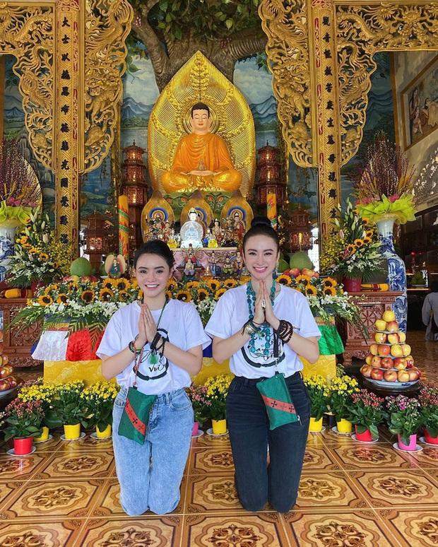 Lột xác giản dị sau nhiều năm lồng lộn, nhan sắc Angela Phương Trinh và em gái bất ngờ được tôn lên rõ rệt - Ảnh 4.