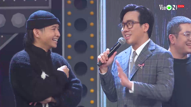 Lăng LD mở màn đêm Chung kết Rap Việt, tri ân Gang OTD khiến Ricky Star và HLV Wowy cũng lên sân khấu quẩy banh - Ảnh 4.