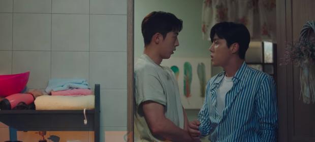 Suzy và Nam Joo Hyuk hôn liên hoàn ở Start Up tập 7 vì mất hợp đồng tiền tỷ, ủa kỳ ghê - Ảnh 3.