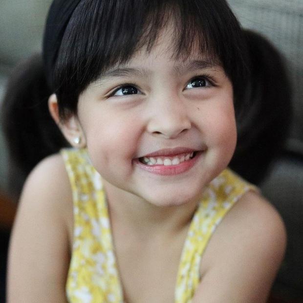 So ảnh con gái và hình hồi nhỏ của mỹ nhân đẹp nhất Philippines: Còn bé đã xinh hơn mẹ, tương lai còn đỉnh thế nào nữa đây? - Ảnh 3.