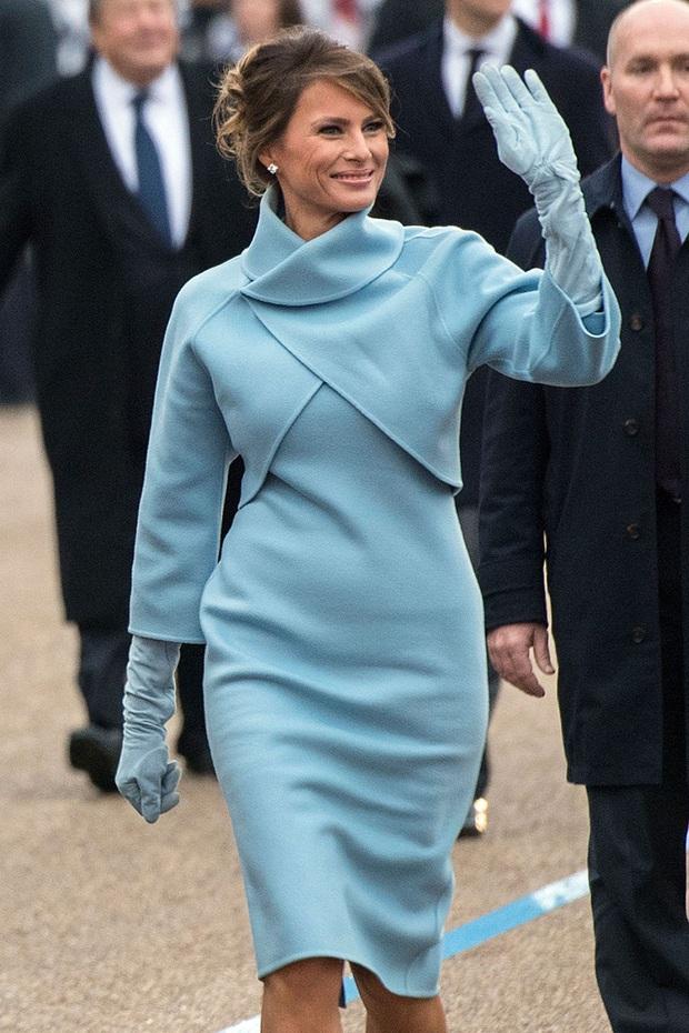 Phong cách trái ngược của 2 vị phu nhân Tổng thống: Trang nhã như bà Biden và quyến rũ như bà Trump - Ảnh 11.