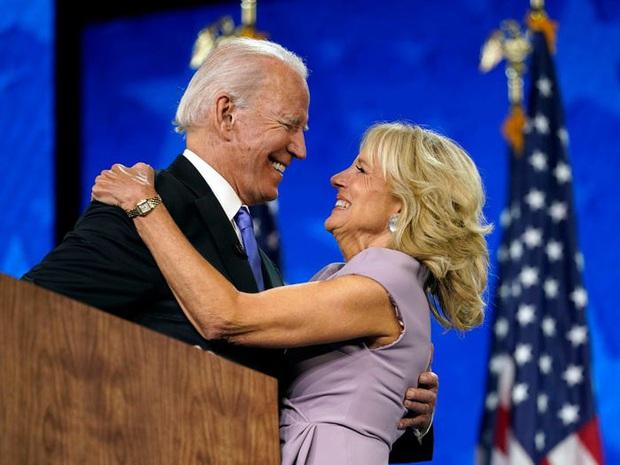 Jill Biden: Nữ giáo viên chọn sánh bước cùng một Joe Biden trong cơn bĩ cực, tới vị trí Đệ nhất Phu nhân Hoa Kỳ - Ảnh 1.
