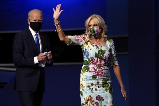 Phong cách trái ngược của 2 vị phu nhân Tổng thống: Trang nhã như bà Biden và quyến rũ như bà Trump - Ảnh 6.