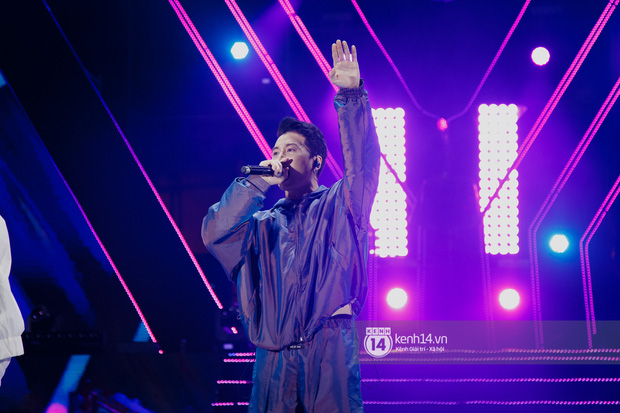 20 nghìn khán giả choáng ngợp trước loạt sân khấu ấn tượng của Sơn Tùng M-TP và dàn sao Vpop tại Đại nhạc hội Beyond The Future - Ảnh 6.
