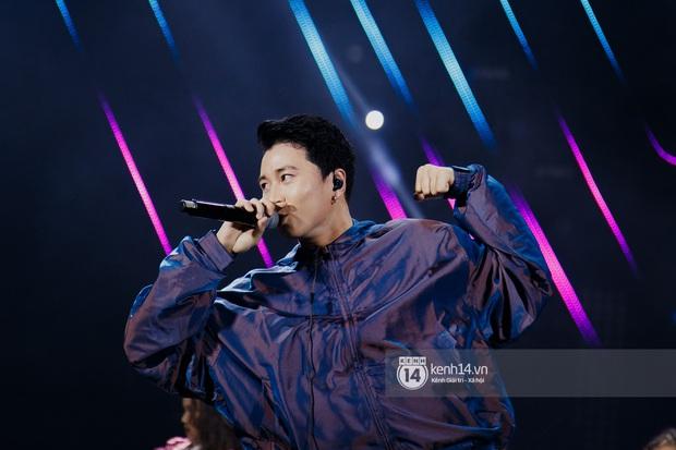 Ngay đêm phát sóng Chung kết Rap Việt: Karik bị ốm nặng và bội thực nhưng vẫn gắng gượng, trình diễn cực thần thái tại sự kiện? - Ảnh 15.
