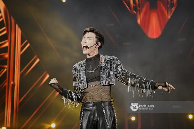 20 nghìn khán giả choáng ngợp trước loạt sân khấu ấn tượng của Sơn Tùng M-TP và dàn sao Vpop tại Đại nhạc hội Beyond The Future - Ảnh 12.