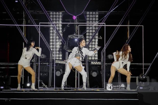 20 nghìn khán giả choáng ngợp trước loạt sân khấu ấn tượng của Sơn Tùng M-TP và dàn sao Vpop tại Đại nhạc hội Beyond The Future - Ảnh 15.