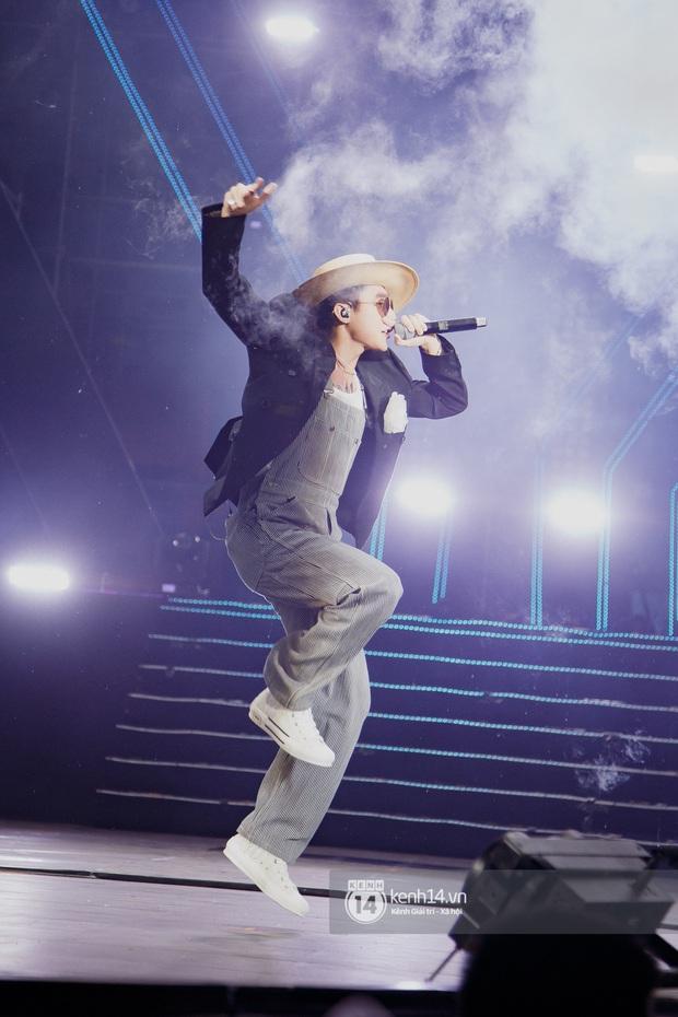 Bức ảnh gây bão: Sky cầm poster đến tận concert yêu cầu Sơn Tùng M-TP gỡ block Facebook mình vì trót dại chê idol lùn? - Ảnh 10.