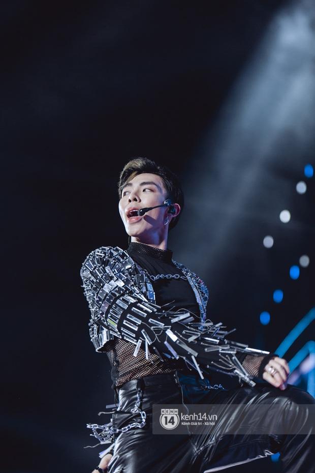 20 nghìn khán giả choáng ngợp trước loạt sân khấu ấn tượng của Sơn Tùng M-TP và dàn sao Vpop tại Đại nhạc hội Beyond The Future - Ảnh 11.