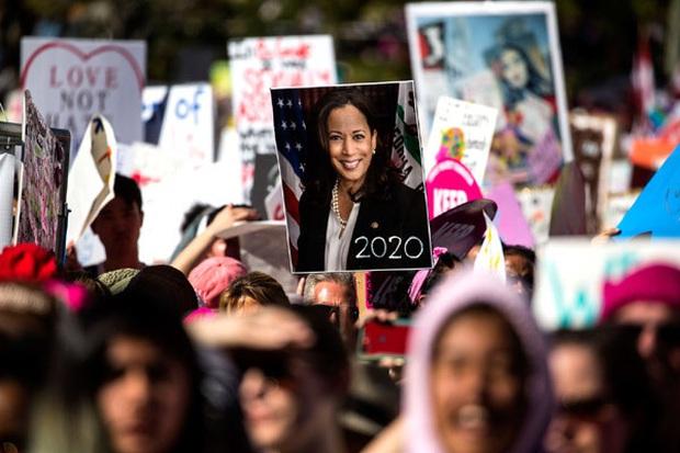 Vừa nhận tin chiến thắng, nữ Phó Tổng thống Mỹ đắc cử đã gửi thông điệp gây xúc động nghẹn ngào và loạt ảnh hiếm thấy của bà khi còn nhỏ - Ảnh 23.