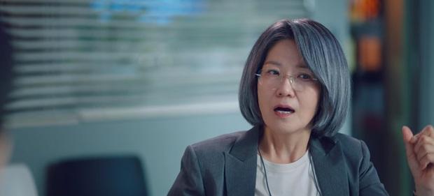 Suzy siêu ngầu lật kèo trong phút chốc, hạ knock-out đối thủ chỉ bằng một đoạn ghi âm ở Start Up tập 8 - Ảnh 4.