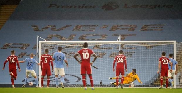 Ngôi sao đáng tin nhất sút hỏng phạt đền, Man City bị Liverpool cầm hòa trên sân nhà - Ảnh 6.