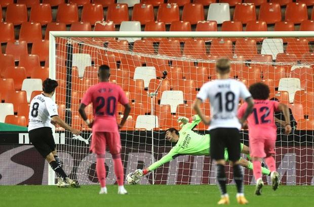 Cực sốc: Real Madrid thua ngược 1-4, ba trong bốn bàn thua là penalty - Ảnh 2.