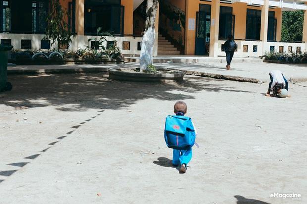 Những hình ảnh không thể nào quên về Đinh Văn Krể: Tạm biệt cậu bé tí hon với nụ cười luôn nở trên môi - Ảnh 3.