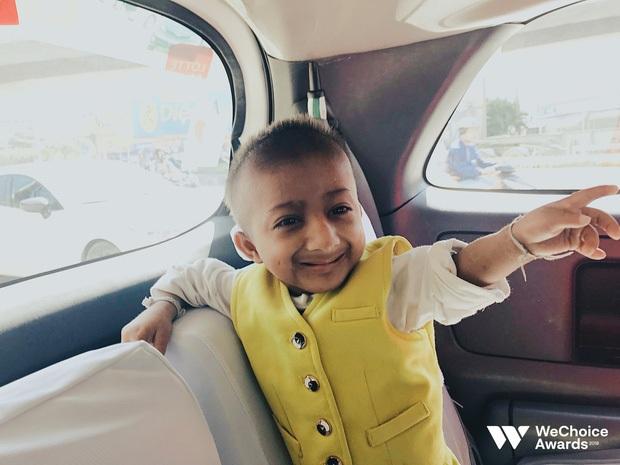 Những hình ảnh không thể nào quên về Đinh Văn Krể: Tạm biệt cậu bé tí hon với nụ cười luôn nở trên môi - Ảnh 10.