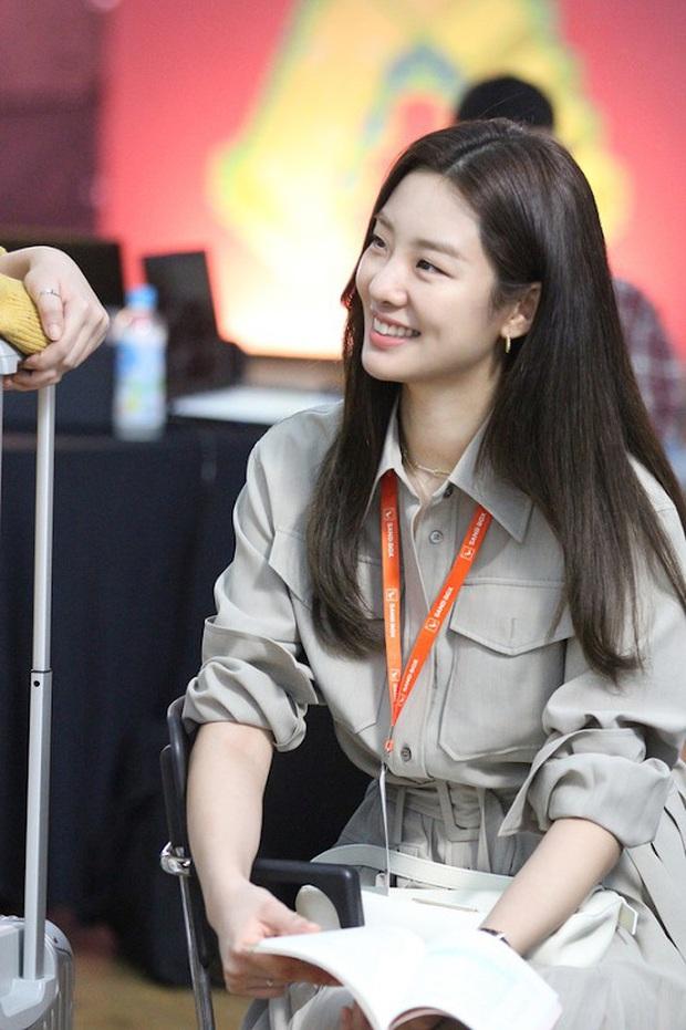 Giả thuyết danh tính kẻ báo thù ở Start Up: Toàn hội anh em chí cốt của Suzy - Nam Joo Hyuk bị gọi hồn? - Ảnh 11.