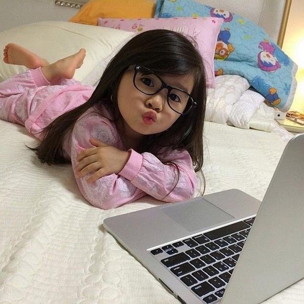 Sở hữu diện mạo gây sốt MXH, thiên thần lai Hàn Quốc từng bị đồn được đại gia Dubai bao nuôi và bước chuyển mình bất ngờ ở tuổi 11 - Ảnh 3.