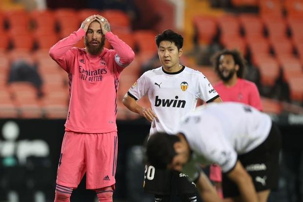 Cực sốc: Real Madrid thua ngược 1-4, ba trong bốn bàn thua là penalty - Ảnh 6.