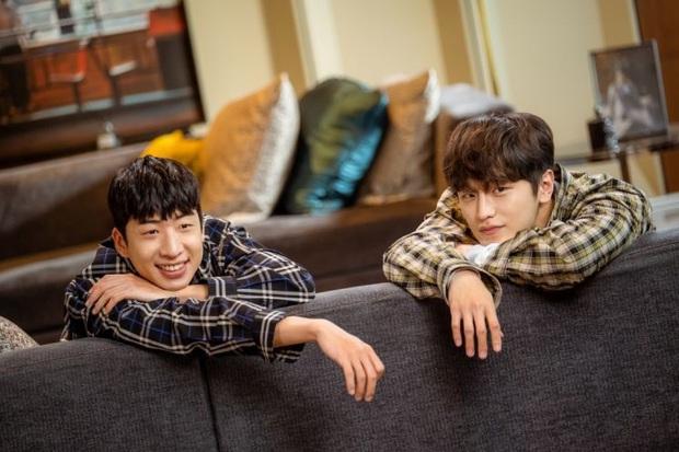 Giả thuyết danh tính kẻ báo thù ở Start Up: Toàn hội anh em chí cốt của Suzy - Nam Joo Hyuk bị gọi hồn? - Ảnh 6.