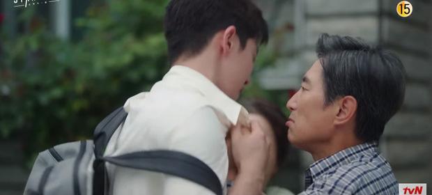 Suzy khóc cạn nước mắt vì biết bị hai trai đẹp cực phẩm lừa đau đớn ở preview Start Up tập 9 - Ảnh 4.