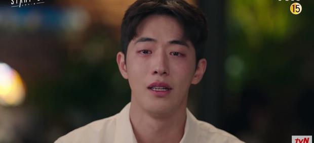 Suzy khóc cạn nước mắt vì biết bị hai trai đẹp cực phẩm lừa đau đớn ở preview Start Up tập 9 - Ảnh 7.