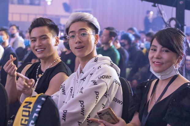 Chung kết ĐTDV mùa Đông 2020: Trai xinh gái đẹp làng Liên Quân hội tụ, khán đài náo nhiệt chưa từng có - Ảnh 14.